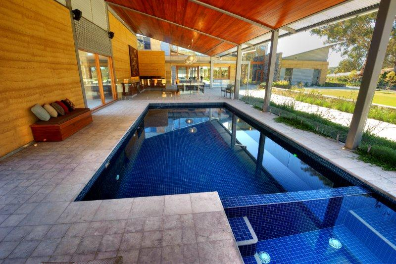 Constructii piscine interioare for Constructii piscine